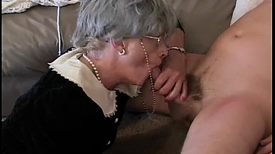Granny vögelt
