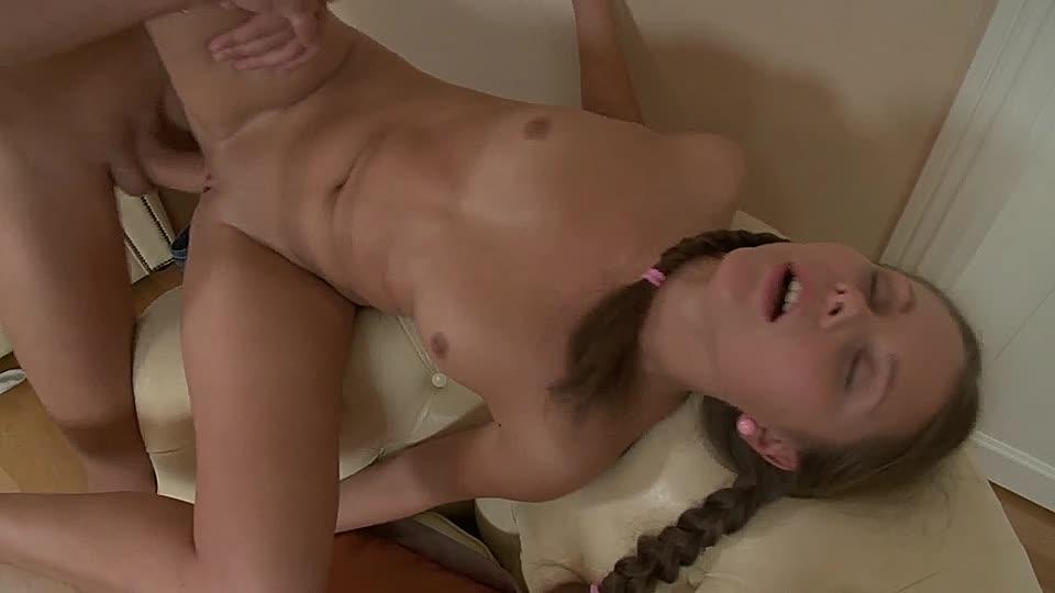 sosok-porno-russkiy-seks-na-stule-video-zelenoy