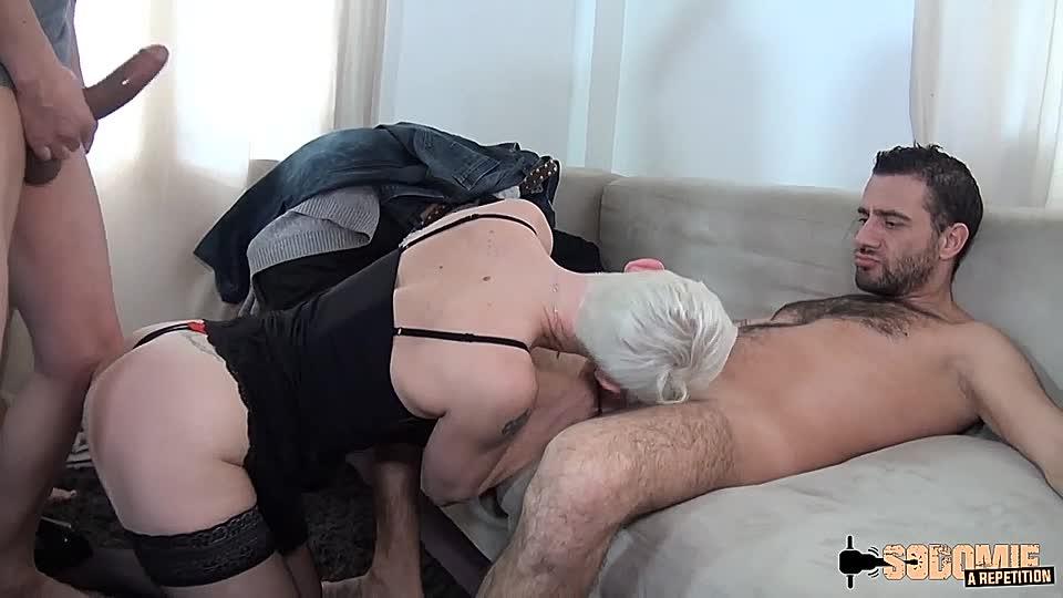 Kurzhaariger Analsex Kolonvia porno