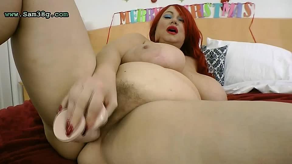 sexgeile blondine fickt sich selbst anal