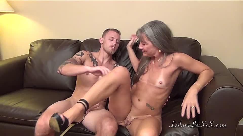 Lesbian piss orgy
