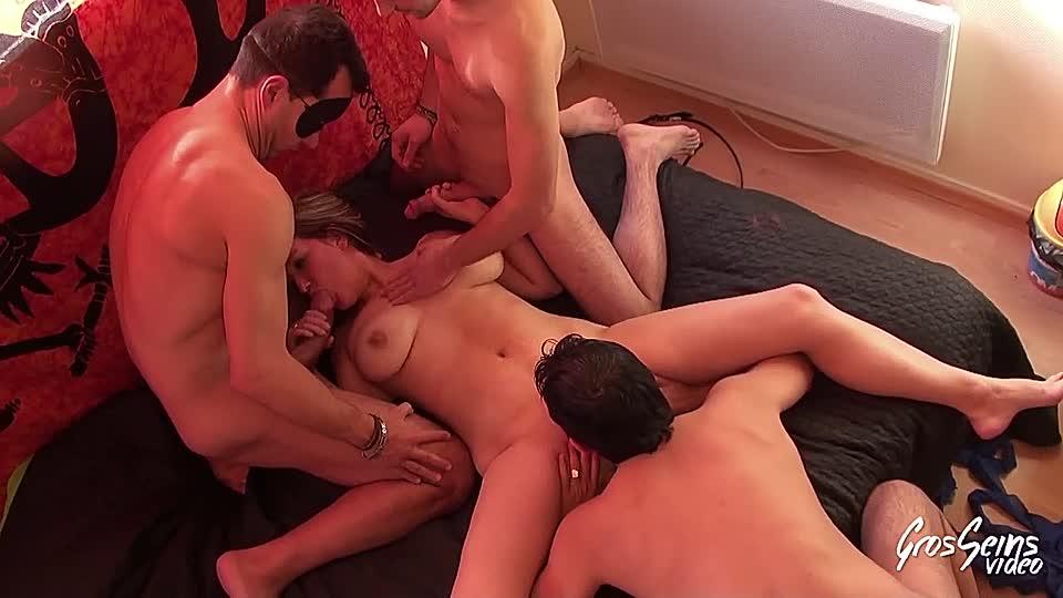 Männer mehreren sex mit Zwei männer